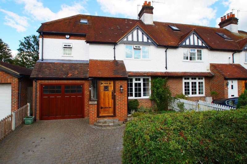 5 Bedrooms Semi Detached House for sale in Chipperfield Road, Bovingdon, Herts
