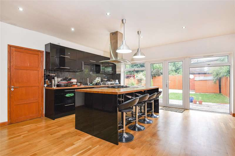 5 Bedrooms Semi Detached House for sale in Eastern Avenue, Pinner, Middlesex, HA5