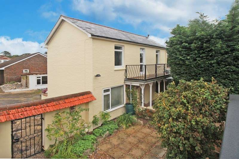 1 Bedroom Flat for sale in Barrack Road, CHRISTCHURCH