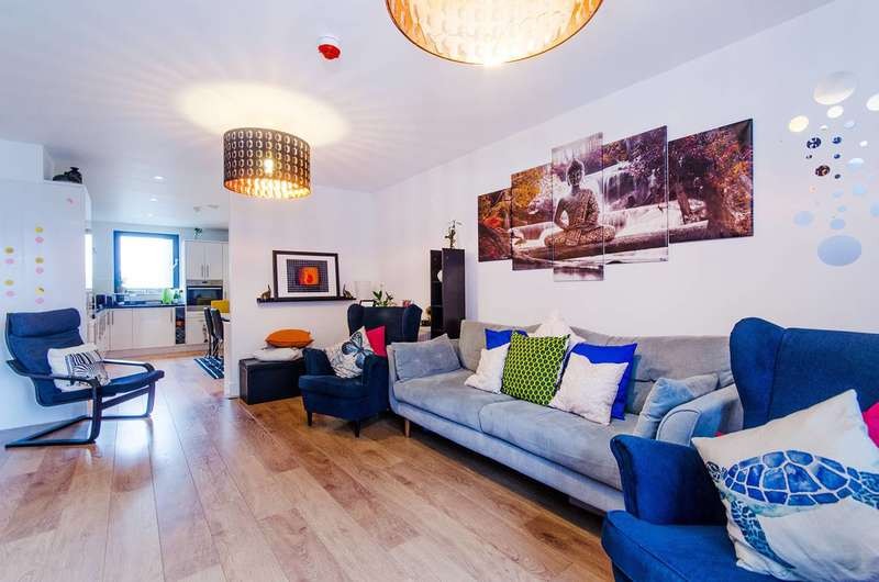 3 Bedrooms Flat for sale in Fulton Road, Wembley Park, HA9