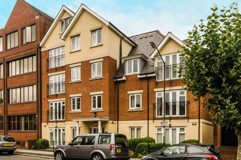 2 Bedrooms Flat for sale in Compton Road, Wimbledon, SW19