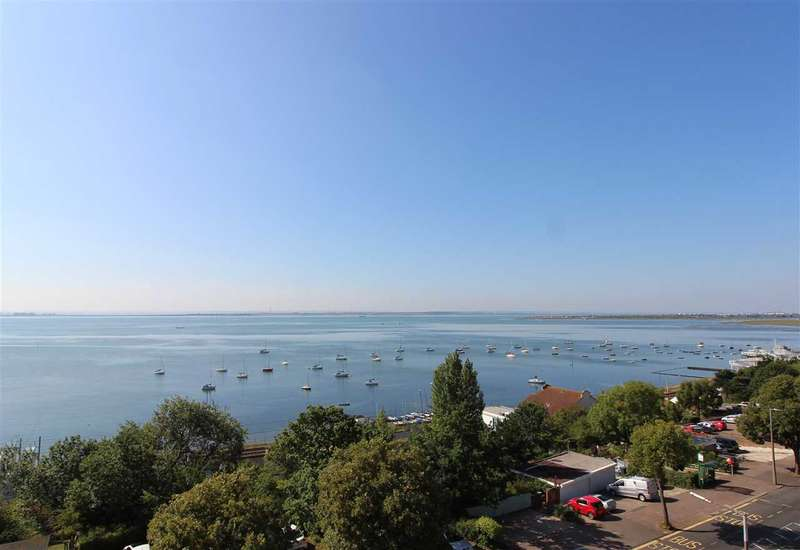 3 Bedrooms Apartment Flat for sale in Leigh on Sea