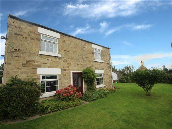 3 Bedrooms Detached House for sale in 'Hall Farm House' Station Road, Hemsworth