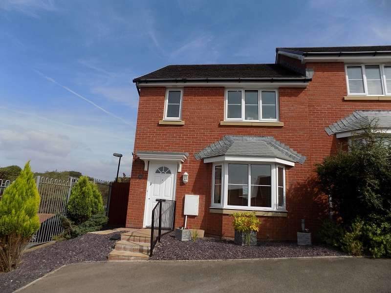 3 Bedrooms Semi Detached House for sale in Skylark Road, North Cornelly, Bridgend. CF33 4PD