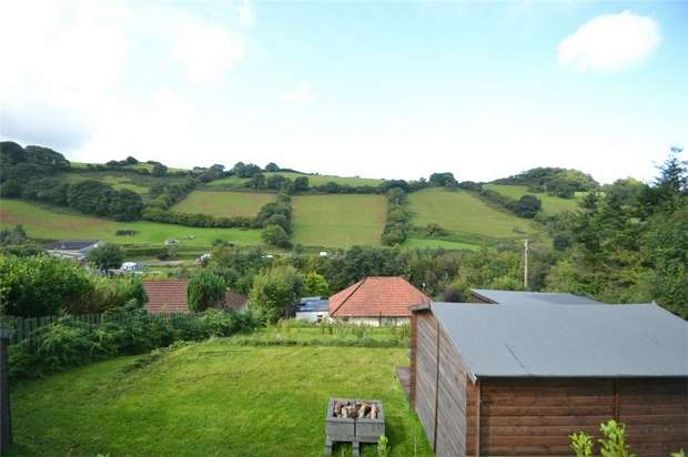2 Bedrooms Detached Bungalow for sale in COMBE MARTIN, Devon