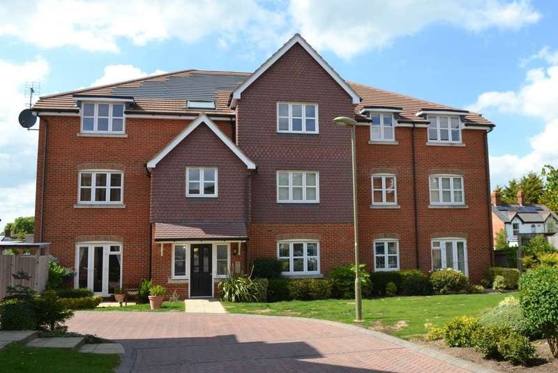 2 Bedrooms Apartment Flat for sale in Old Sawmill Place, Chinnor