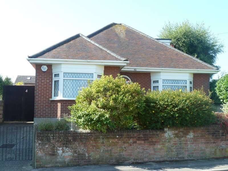 3 Bedrooms Detached Bungalow for sale in Forest View Road, Moordown, Bournemouth