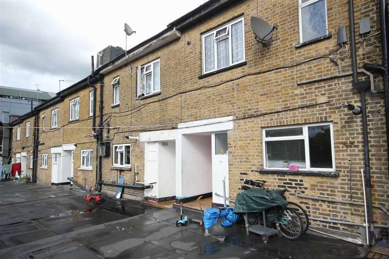 4 Bedrooms Maisonette Flat for sale in Central Parade, Station Road, Harrow