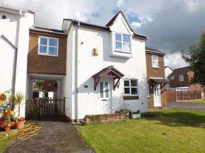 3 Bedrooms Semi Detached House for sale in Fernleigh, Leyland, Preston, .