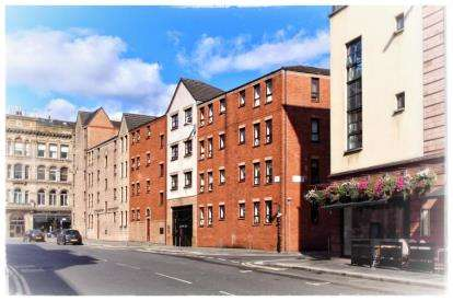 2 Bedrooms Flat for sale in Albion Gate, Merchant City, Glasgow