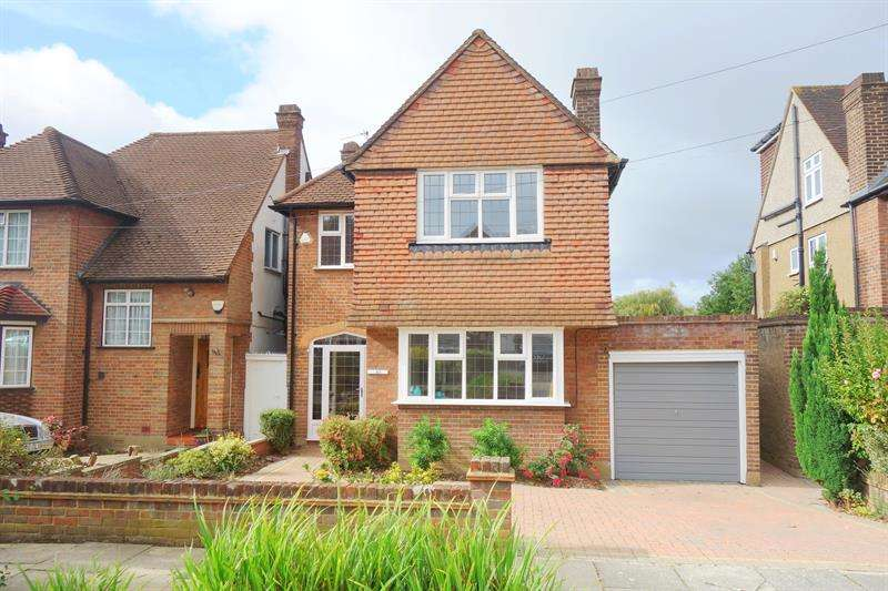 3 Bedrooms Detached House for sale in Friars Walk, Southgate