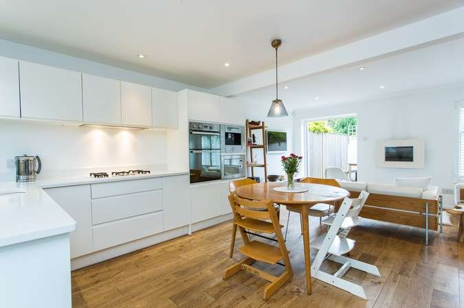 3 Bedrooms Terraced House for sale in Ernest Gardens, Chiswick