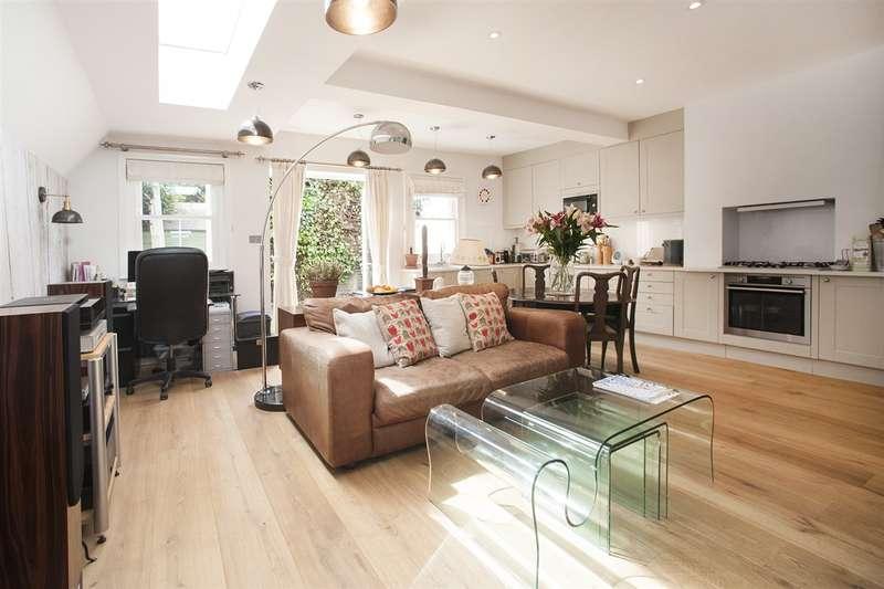 2 Bedrooms Maisonette Flat for sale in Davis Road, Shepherd's Bush