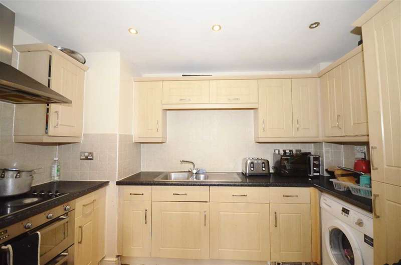 2 Bedrooms Flat for sale in Glebelands Close, London