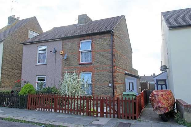 2 Bedrooms Semi Detached House for sale in Cowper Road, Sittingbourne, Kent