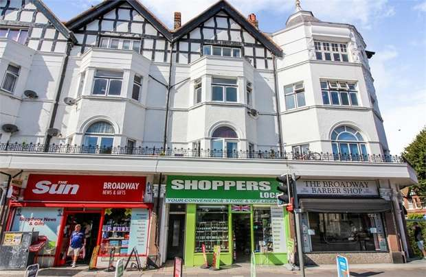 3 Bedrooms Flat for sale in Brighton Road, Worthing, West Sussex