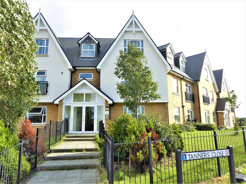 2 Bedrooms Ground Flat for sale in Tanners Close, Crayford, Kent, DA1 4FF