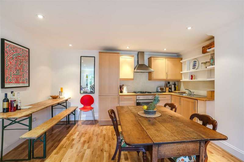3 Bedrooms Flat for sale in Lady Somerset Road, London