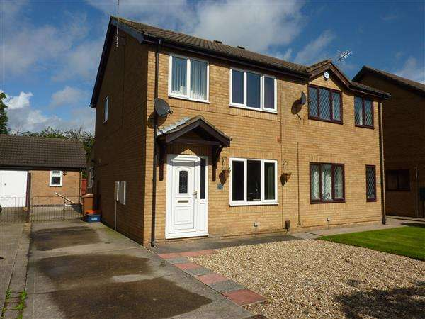3 Bedrooms Semi Detached House for sale in COLTSFOOT DRIVE, WALTHAM, GRIMSBY