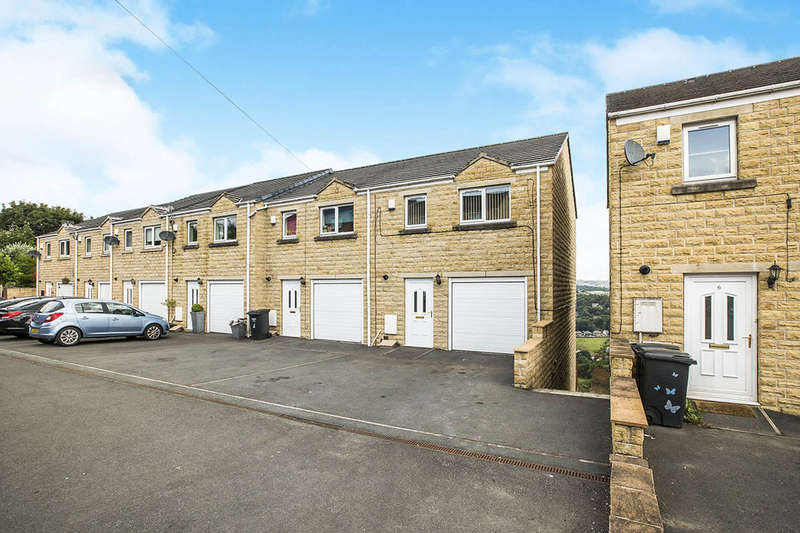 4 Bedrooms Terraced House for sale in Aislaby Heights, Halifax, HX2