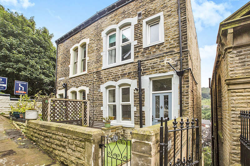 4 Bedrooms Semi Detached House for sale in Osborne Street, Hebden Bridge, HX7