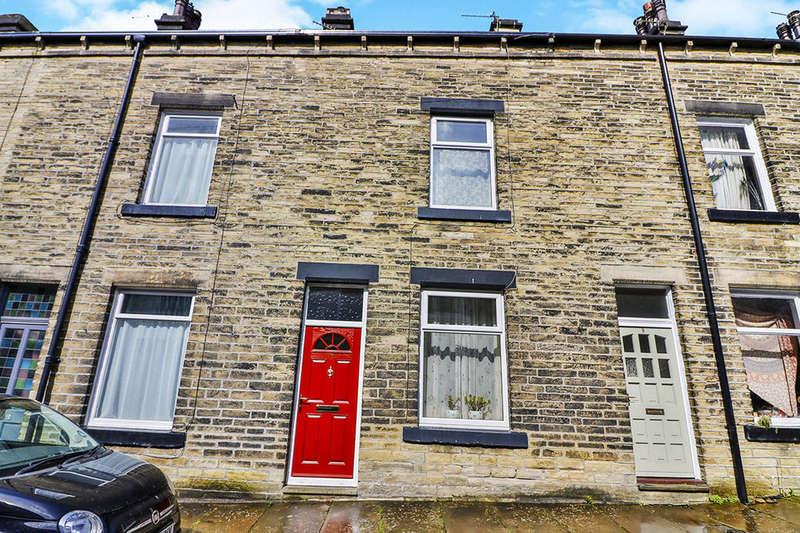 3 Bedrooms Terraced House for sale in Oak Street, Hebden Bridge, HX7
