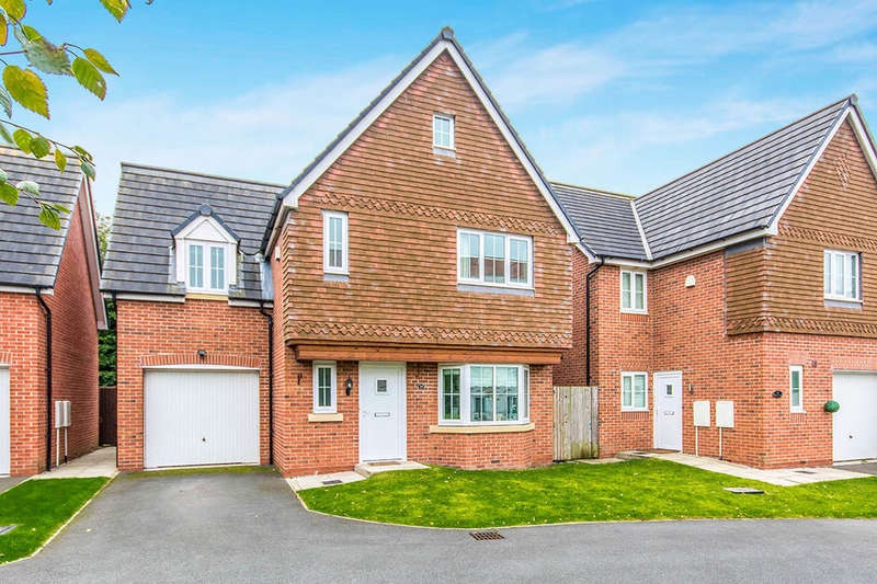 4 Bedrooms Detached House for sale in Sheen Gardens, Manchester, M22