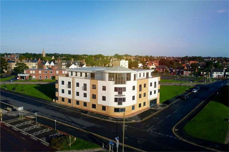 2 Bedrooms Flat for sale in Apartment 6, Broadway House, Hornsea, East Yorkshire