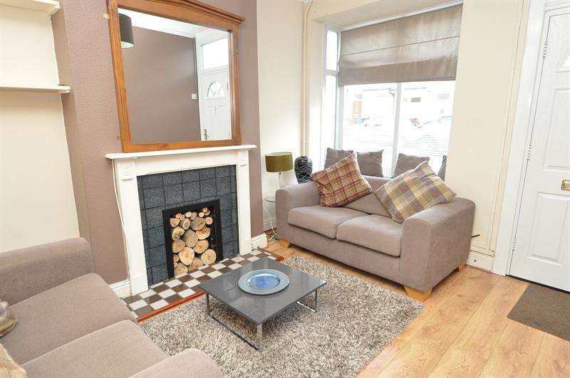 3 Bedrooms Terraced House for sale in Wallace Road, Selly Park, Birmingham