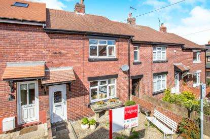 3 Bedrooms Terraced House for sale in Park Close, Knaresborough, North Yorkshire
