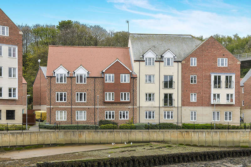 2 Bedrooms Flat for sale in Whitehall Landing, Whitby, YO22