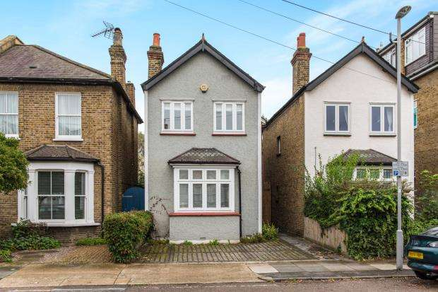 3 Bedrooms Detached House for sale in Kingston Upon Thames, Surrey, England