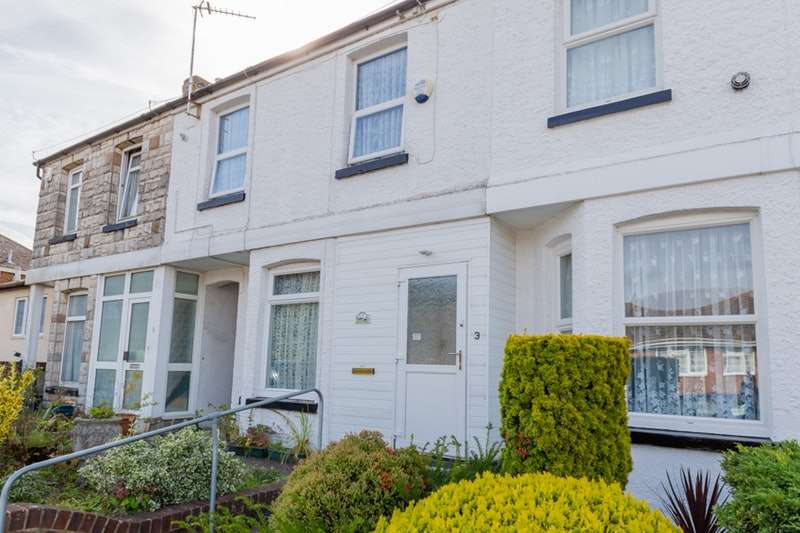 3 Bedrooms Terraced House for sale in Nursery Lane, Dover, Kent, CT16