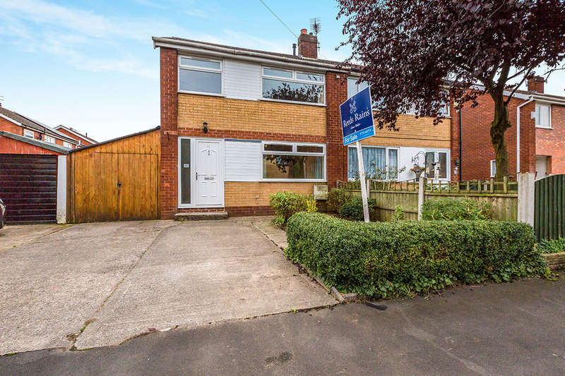 3 Bedrooms Semi Detached House for sale in Downham Road, Leyland, PR25