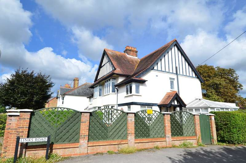 3 Bedrooms Semi Detached House for sale in Links Road, Flackwell Heath, HP10