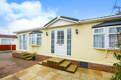 2 Bedrooms Bungalow for sale in Bartington Hall Park, Warrington Road, Bartington, Northwich