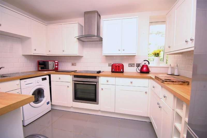 2 Bedrooms Flat for sale in Bohemia, Hemel Hempstead