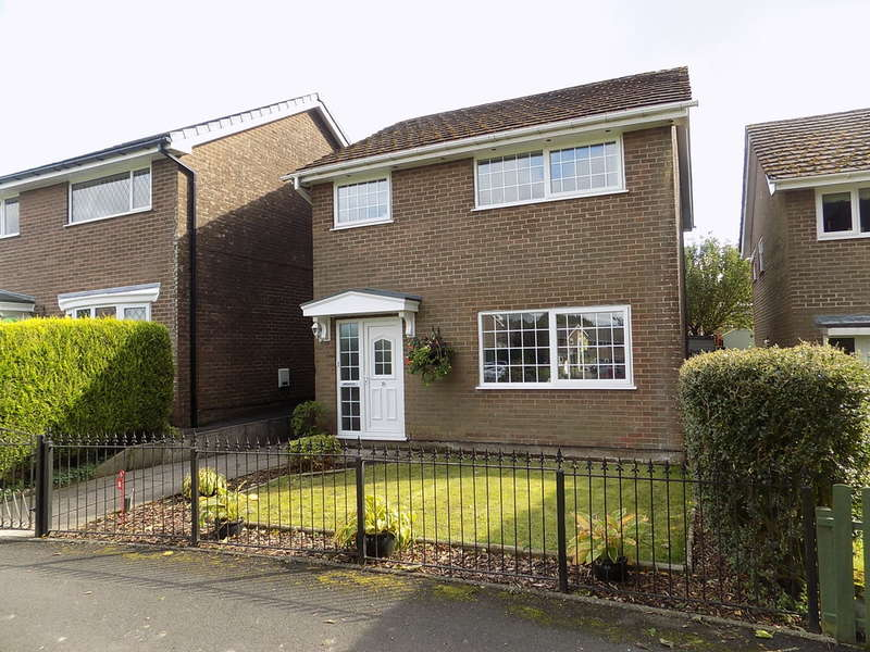 3 Bedrooms Detached House for sale in Berwick Road, Harpur Hill