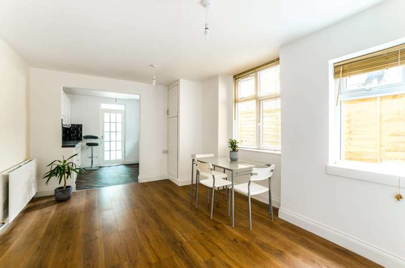 4 Bedrooms Terraced House for sale in Wragby Road, Leytonstone, E11