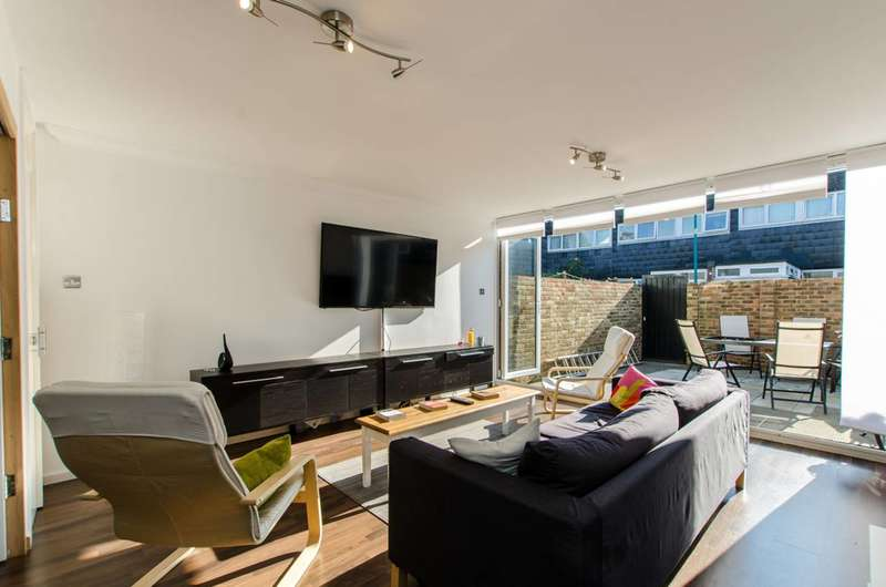 4 Bedrooms House for sale in Ramilles Close, Brixton, SW2