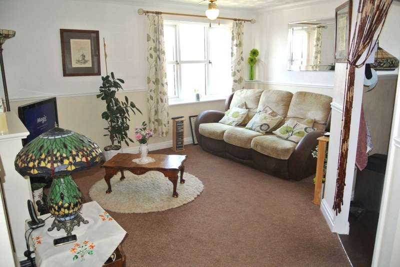 2 Bedrooms Flat for sale in St.Annes Court, St Annes Road, Blackpool, FY4 2DS