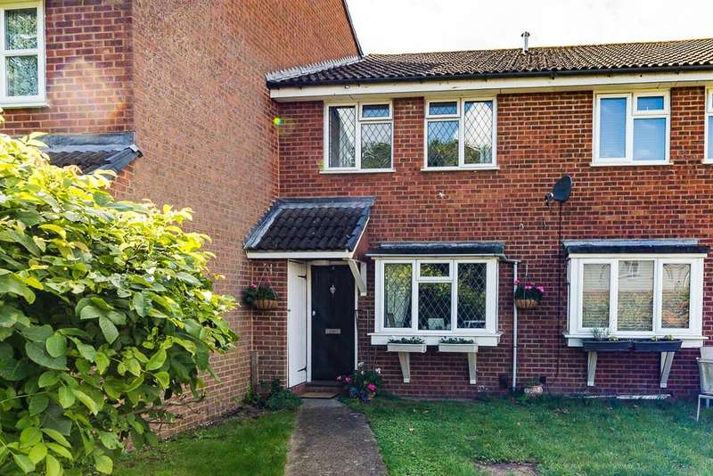 1 Bedroom Terraced House for sale in Bramley Close, Staines-Upon-Thames, TW18