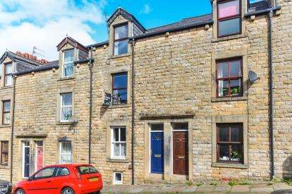 2 Bedrooms Terraced House for sale in Clarence Street, Lancaster, Lancashire, LA1