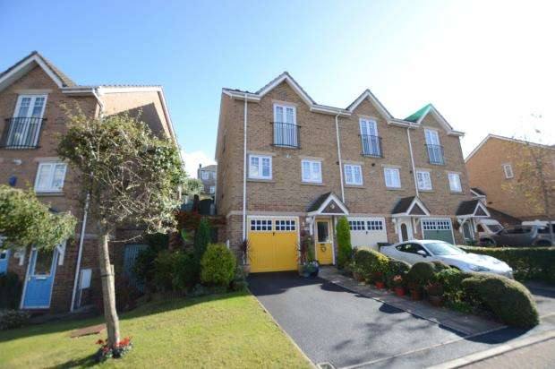 2 Bedrooms Semi Detached House for sale in Sandford View, Newton Abbot, Devon