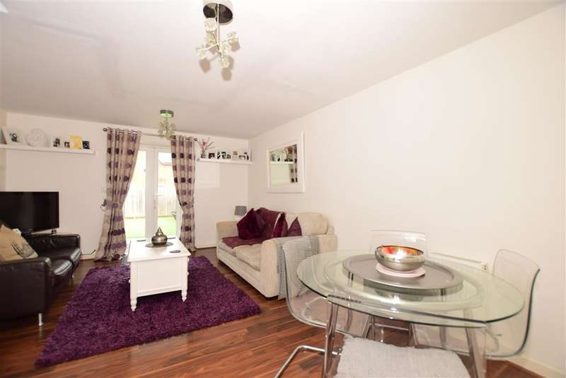 2 Bedrooms Terraced House for sale in Cantium Place, Snodland, Kent