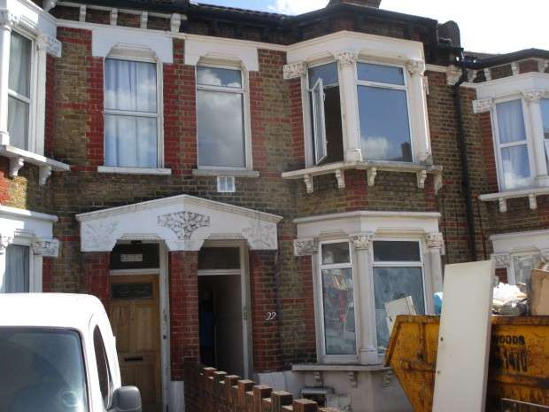 2 Bedrooms Terraced House for sale in Whitehorse Lane, London, SE25