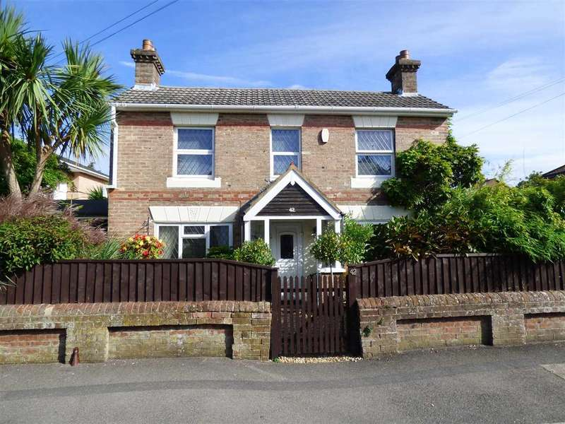3 Bedrooms Detached House for sale in Stunning Cottage in St Marks School Catchment - 3 Double Bedrooms - Bournemouth