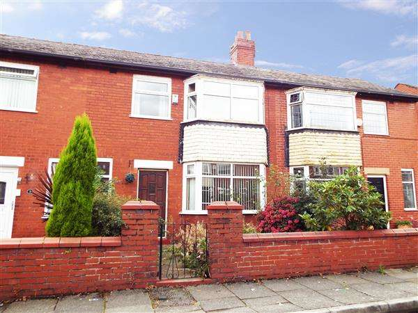 3 Bedrooms Terraced House for sale in Wernerth Crescent, Hollinwood, Oldham