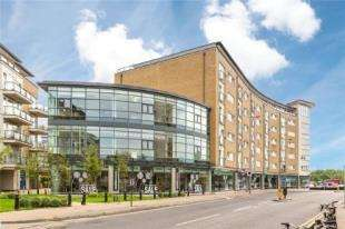 2 Bedrooms Flat for sale in Omega Building, Smugglers Way, Wandsworth, London