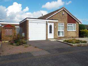 2 Bedrooms Bungalow for sale in Coniston Road, Folkestone, Kent, England